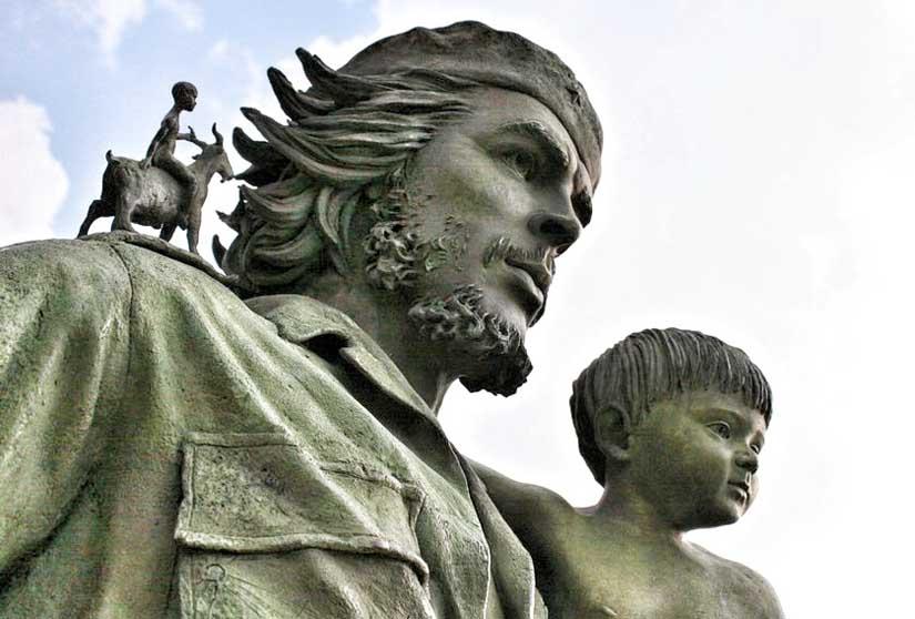 Monumento de Ernesto Che Guevara en Santa Clara - Caimán verde Blog