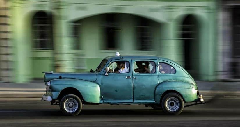 Carro americano clásico - Cuba - Caimán verde Blog